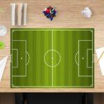Schreibtischunterlage Fußballfeld aus Vinyl