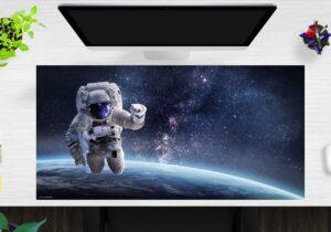 Schreibtischunterlage XXL Astronaut im Weltraum aus Vinyl
