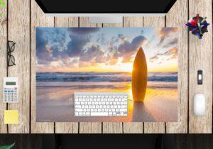 Schreibtischunterlage - Surfbrett am Strand - aus Vinyl