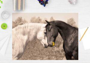 Schreibtischunterlage - Liebende Pferde - aus Vinyl