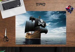 Schreibtischunterlage - Piratenschiff - aus Vinyl
